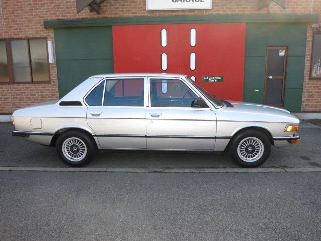 BMW 5シリーズ / E12 518i