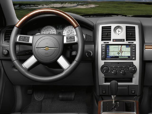クライスラー クライスラー 300 srt8 燃費 : carsensor.net