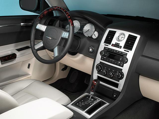 クライスラー : クライスラー 300c 5.7 燃費 : carsensor.net