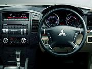11年(H23)10月、一部改良時の3.2 ロング エクシード ディーゼルターボ 4WDのインパネ