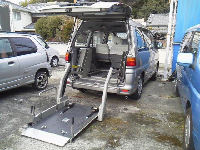 デリカスペースギア-(三菱)の中古車