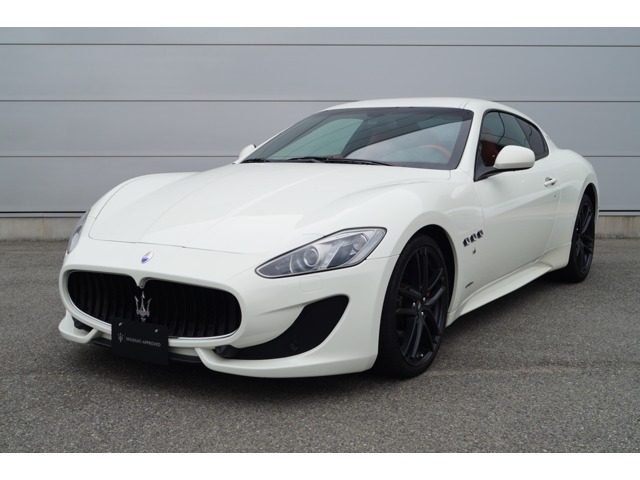 Maserati神戸へようこそ!この度はマセラティ神戸の厳選中古車をご覧頂きまして誠にありがとうございます。当社は神戸市の他に、静岡県浜松市にもMaseratiディーラーを展開しております。