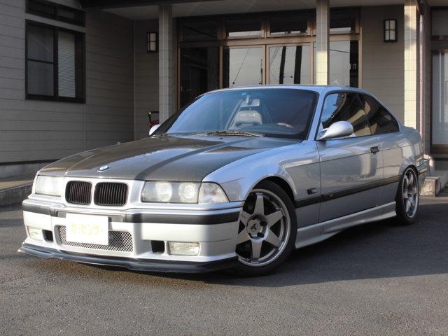 BMW M3 3.0 M3B 内装赤革