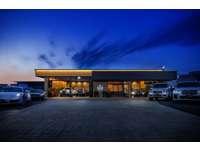 創業40周年のノウハウを結集した高級車専門店をオープン致しました。
