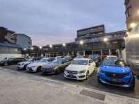 約1100台の在庫台数と認定保証車制度、10拠点の工場で輸入車カーライフをサポート