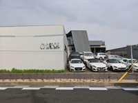 約800台の在庫台数と認定保証車制度、10拠点の工場で輸入車カーライフをサポート