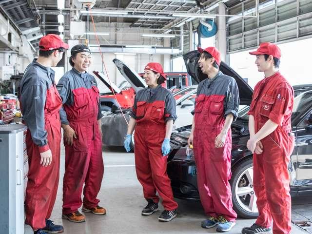 メーカー資格の取得を積極的に行い、高い技術力を持ったスタッフがお客様のお車のコンディション維持するようサポート致します。