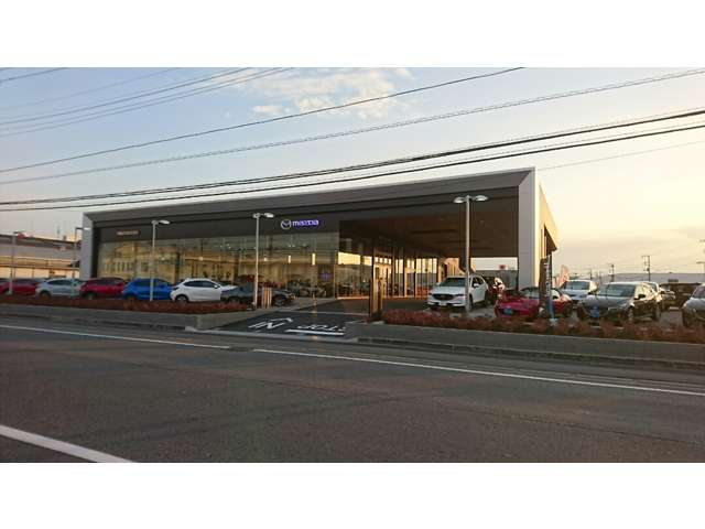 千葉マツダ 新港店の店舗画像