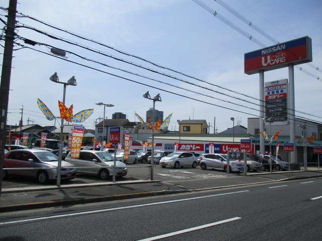 日産大阪販売(株) UCARS香里の店舗画像