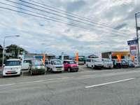 新車販売、中古自動車トラック買い取り販売店。日曜もご予約にて営業いたしております