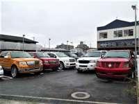 国産車、輸入車販売からカーパーツ販売まで幅広くカーライフをサポート致します。