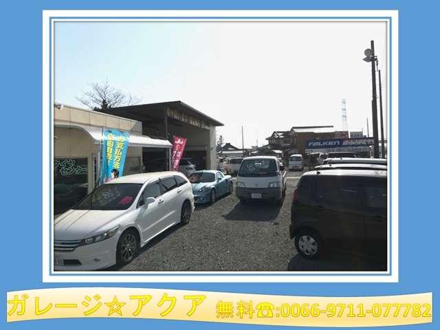 展示場には10〜20台近くの展示車がございます。ご検討のクルマがあれば注文販売等も承っております!
