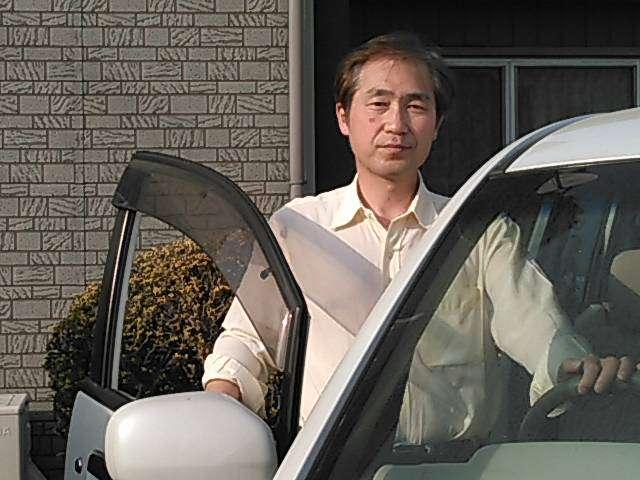 お客様を担当する石田です。今後の使用に十分耐えうる車両かどうかを長年の経験から判断し、全国から安く仕入れています。