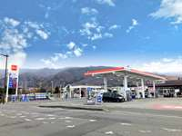 自動車整備販売の敷地内にガソリンスタンドを併設しています。http://cs-suwa.com/