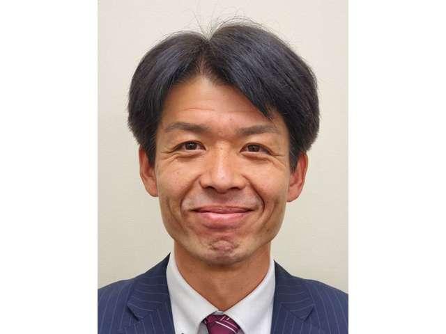 営業スタッフの北山 雅一(課長)です。明るく元気なスタッフが、皆様のご来店お待ちしております。