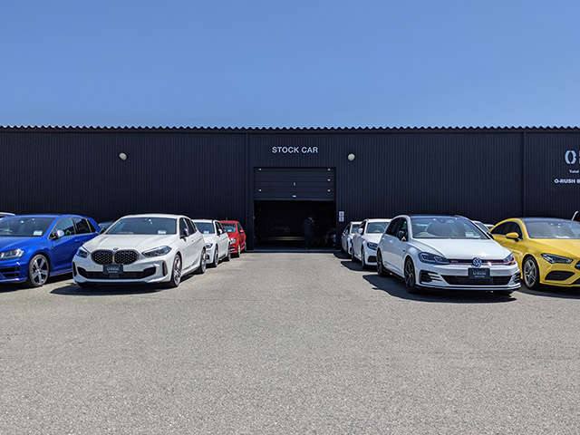 9拠点に常時1100台の第三者機関検査済みの車両を展示しています