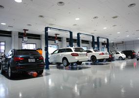 10拠点の認証整備工場でご購入後のお車を最善の体制でサポート