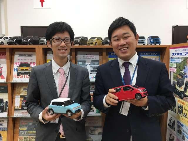 山口(左)と安藤(右)です。コンビではありませんが、最高の笑顔でお待ちいたしております。車のことなら当社にお任せ下さい!
