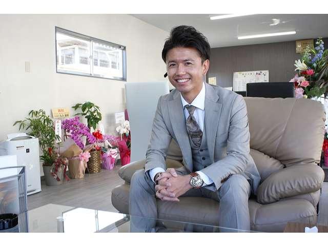 店長の冨岡と申します!長年培った経験を生かし、お客様のご予算やライフスタイルに合ったピッタリの1台をご提案させて頂きます